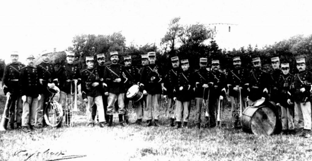7. Regiments Musikkorps, Fredericia 1911 med stabshornblæser Andreas Larsen som nr. 2 fra venstre.