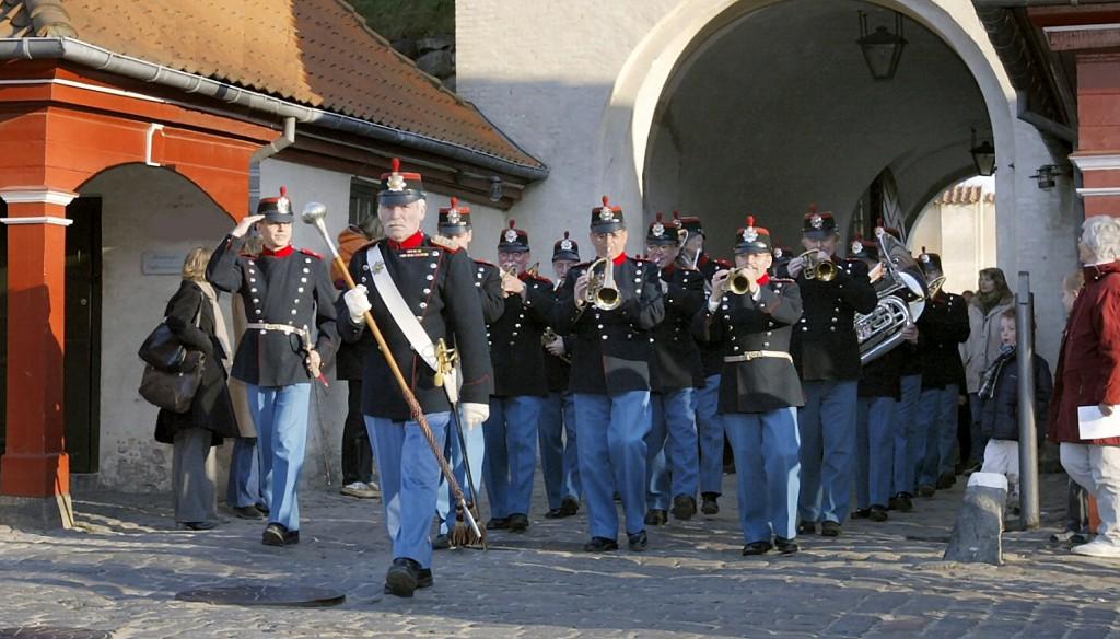 8. Regiments Musikkorps marcherer ind i Kastellet 2007.